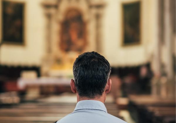 Empresarios confían más en la Iglesia que en partidos